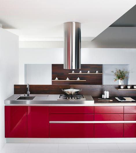mobalpa-heliante-red-kitchen1.jpg
